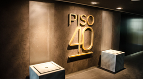 Entrance of Piso 40, executive club in Montevideo